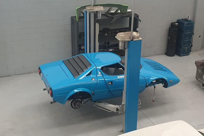 Bonetto restauri - Lancia stratos blu